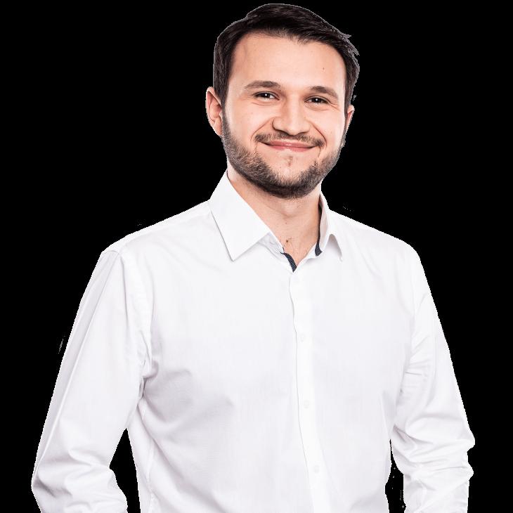 AUNOVIS Softwarelösungen Mitarbeiter Artur Portraitaufnahme